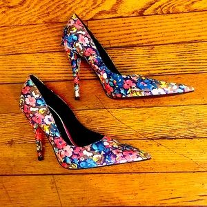 Zara Floral Pointed Toe Pumps